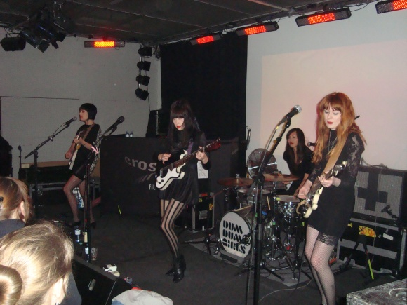 Dum_Dum_Girls_2011